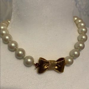 Beautiful Kate Spade pearl necklace.